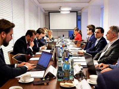 Zdalne odbywanie posiedzeń przez zarządy i rady nadzorcze
